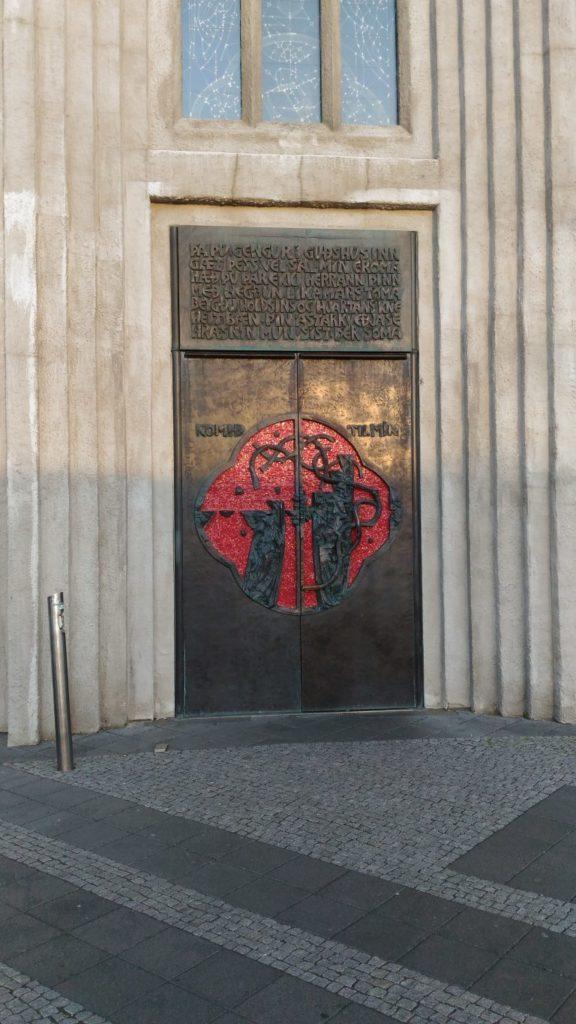 Porta della cattedrale